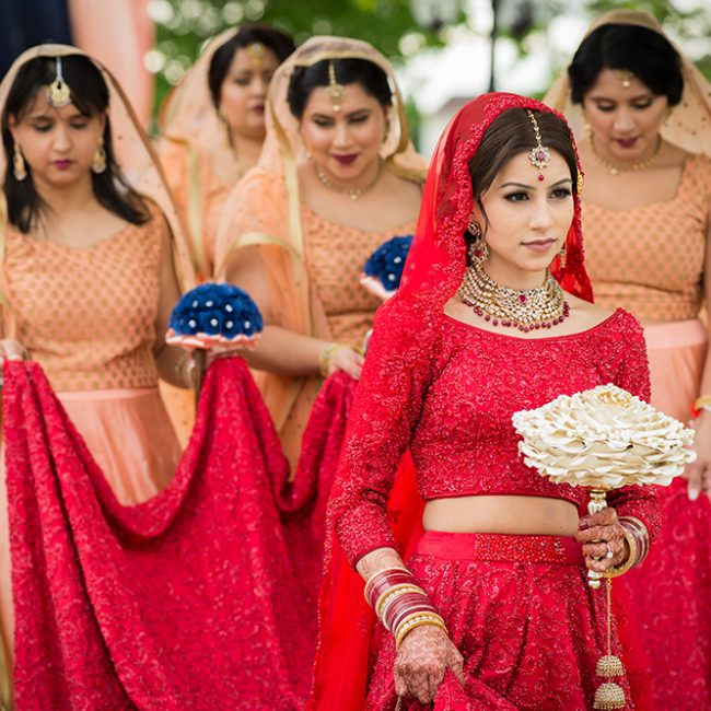 Sikh bride and groom - Arora Events, Toronto's best wedding and event planners!